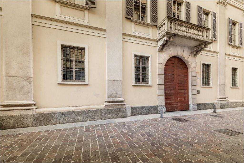 Palazzo in centro Como dove si trova lo studio